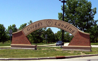 Gregg's Landing Arched Sign